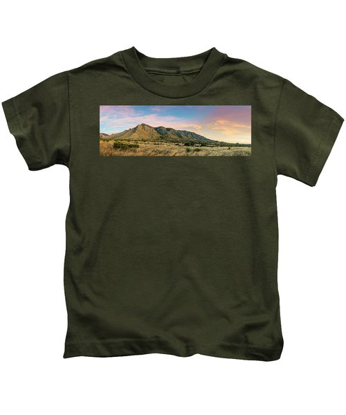 Panorama Of Hunter Peak And Frijole Ridge At Guadalupe Mountains National Park - West Texas Kids T-Shirt
