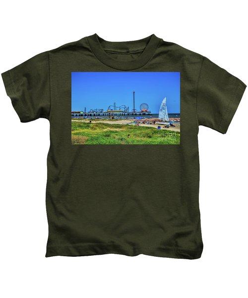 Pleasure Pier Sunny Day Kids T-Shirt