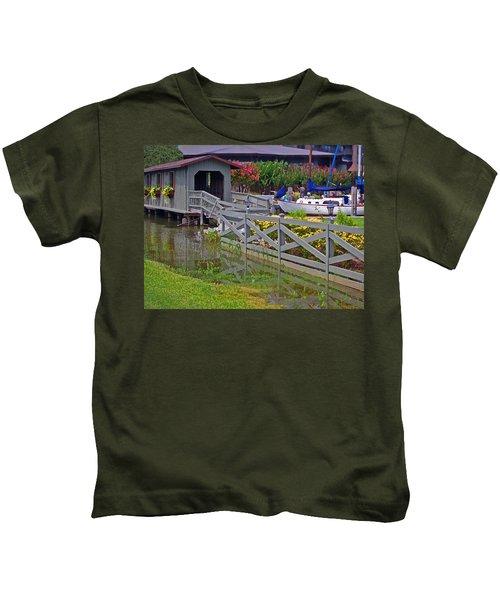 Point Clear Bridge At Grand Hotel Kids T-Shirt