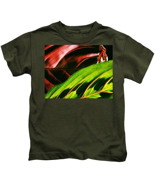 Prayer Plant Passing Kids T-Shirt
