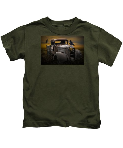 Raven Hood Ornament On Old Vintage Chevy Pickup Truck Kids T-Shirt