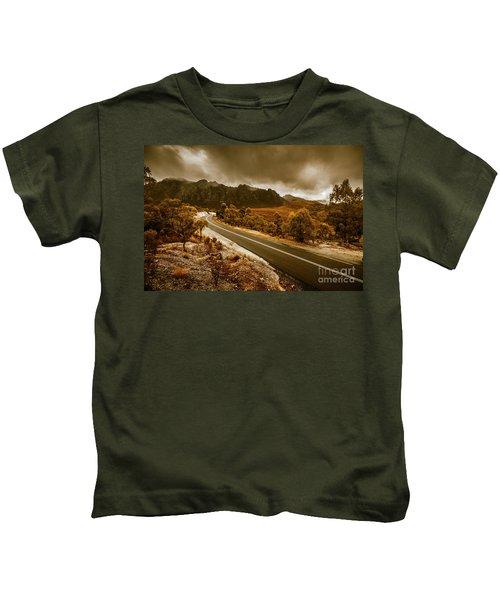 Rugged Rural Retreats Kids T-Shirt