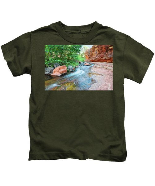 Rushing Waters At Slide Rock State Park Oak Creek State Park - Sedona Northern Arizona Kids T-Shirt