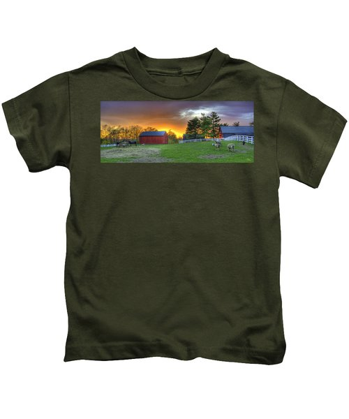 Shaker Animals At Sunset Kids T-Shirt