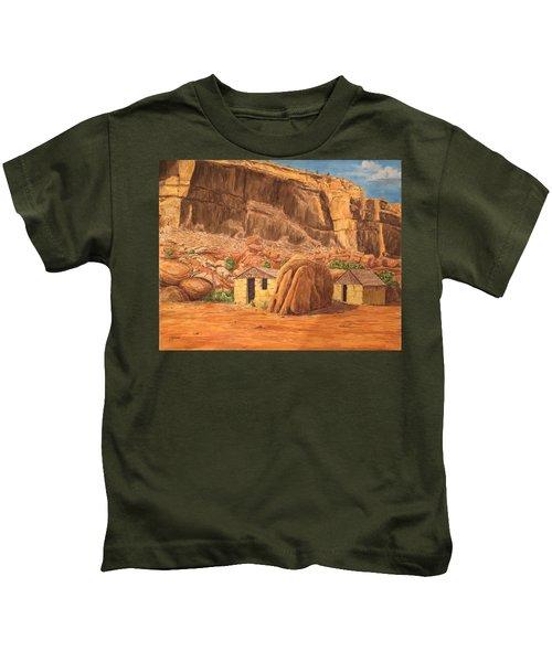 Smiths Cabin  Kids T-Shirt