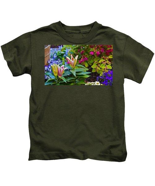Spring Show 15 Lilies Kids T-Shirt