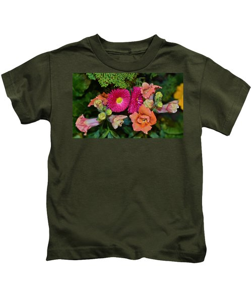 Spring Show 15 Snapdragons And English Daisy Kids T-Shirt