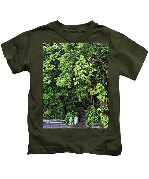 Stairs To Buddha Temple  Kids T-Shirt