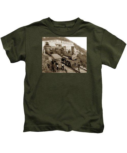 Stean Engine No. 8 Mount Tamalpais Circa 1920 Kids T-Shirt