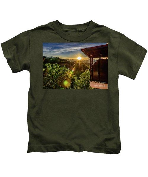 Sunburst View From Dellas Boutique Hotel Near Meteora In Kastraki, Kalambaka, Greece Kids T-Shirt