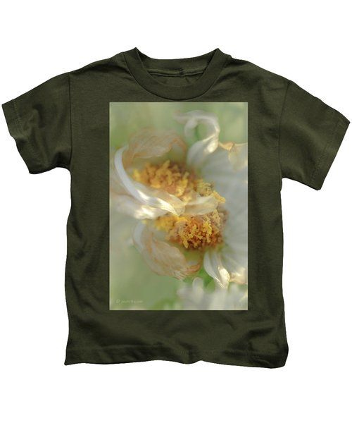 Flower Swirl.... Kids T-Shirt
