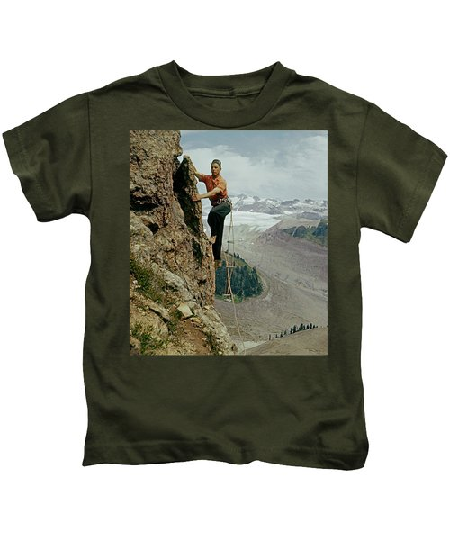 T-902901 Fred Beckey Climbing Kids T-Shirt
