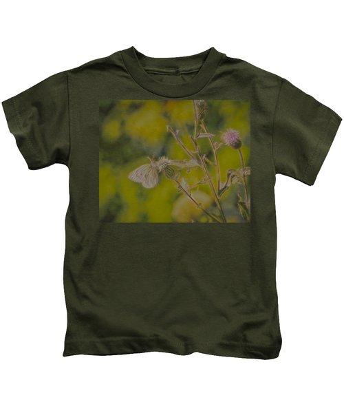 Textured Butterfly 1   Kids T-Shirt