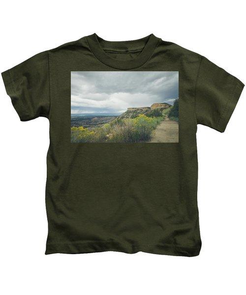 The Knife's Edge Kids T-Shirt