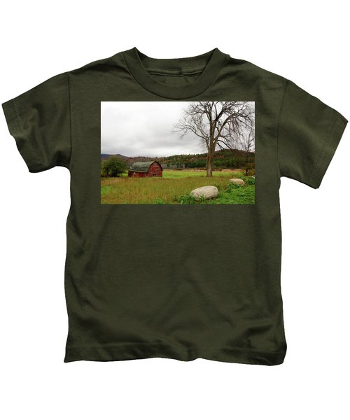 The Old Barn With Tree Kids T-Shirt