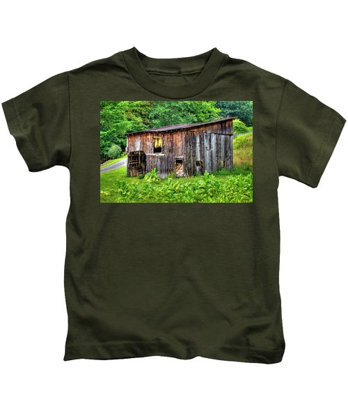 Tobacco Barn Kids T-Shirt