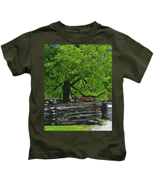 Tree With Colonial Fence Kids T-Shirt