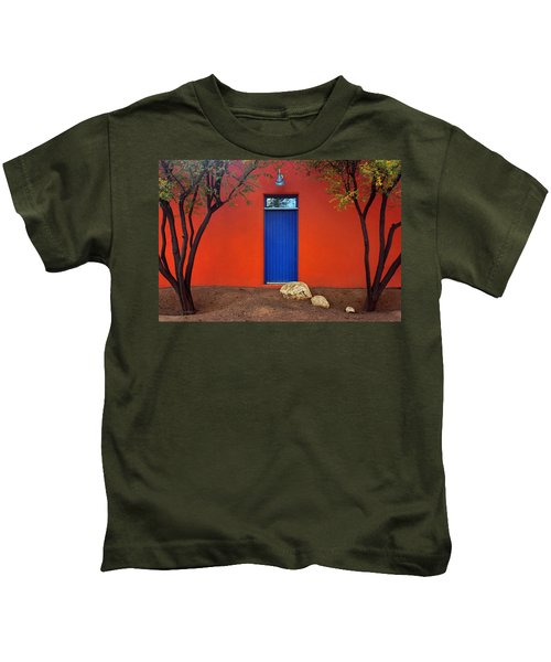 Trees And Door - Barrio Historico - Tucson Kids T-Shirt