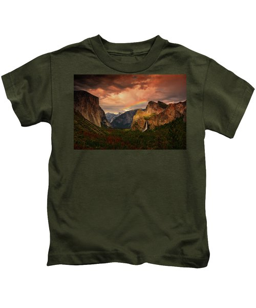 Tunnel View Rainbow Kids T-Shirt