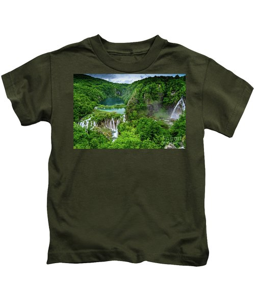 Turquoise Lakes And Waterfalls - A Dramatic View, Plitivice Lakes National Park Croatia Kids T-Shirt