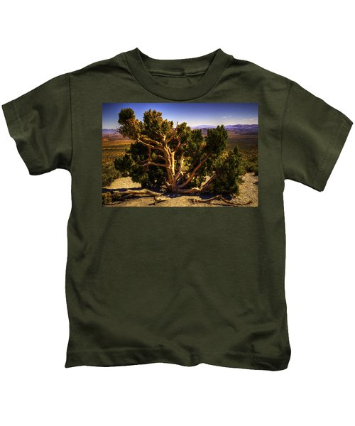 Utah Juniper At High Point Red Rock Canyon Kids T-Shirt