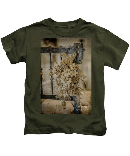Vintage Floral Swag On A Bedpost Kids T-Shirt