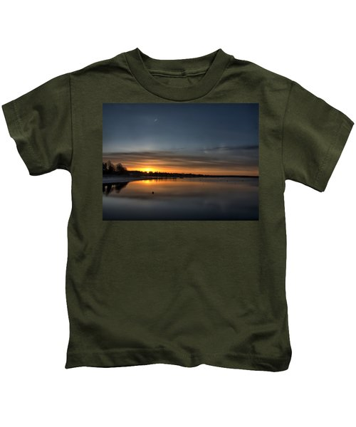 Waking To A Cold Sunrise Kids T-Shirt