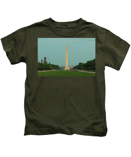 Washington Monument Beauty Shot Kids T-Shirt