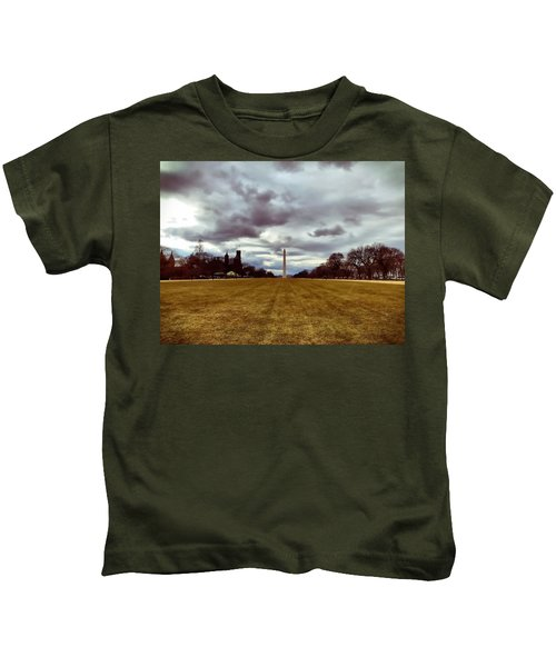 Kids T-Shirt featuring the photograph Washington Monument by Chris Montcalmo