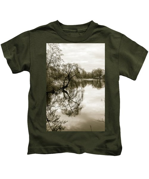 Weeping Willow Tree In The Winter Kids T-Shirt