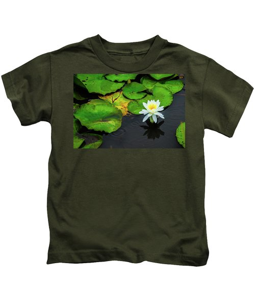 White Lily And Rippled Water Kids T-Shirt