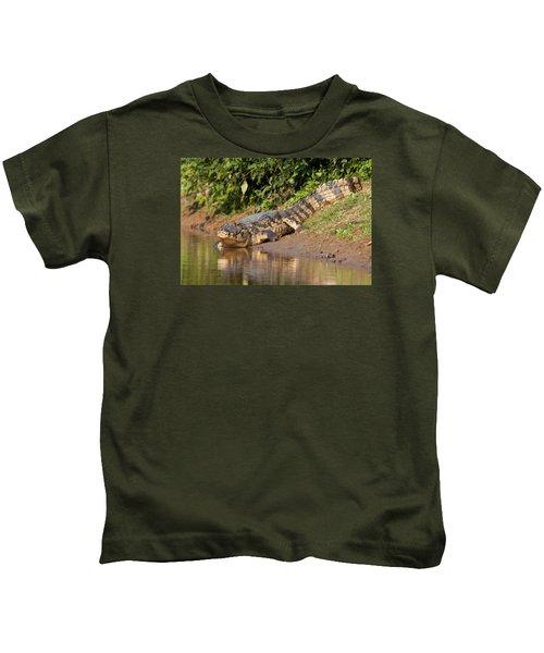 Alligator Crawling Into Yakuma River Kids T-Shirt
