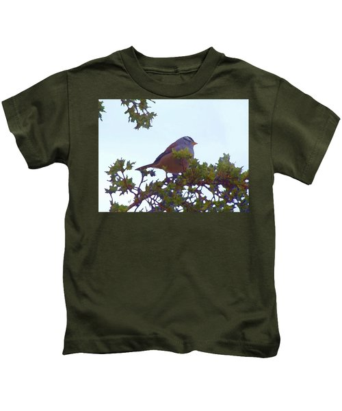White Crowned Sparrow In Cedar Kids T-Shirt