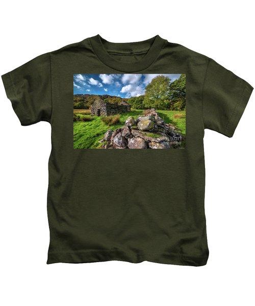 Cottage Ruin Snowdonia Kids T-Shirt