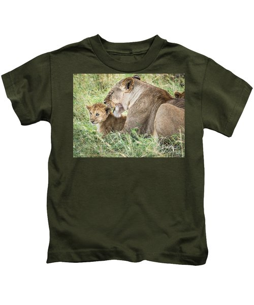A Mothers Love Kids T-Shirt
