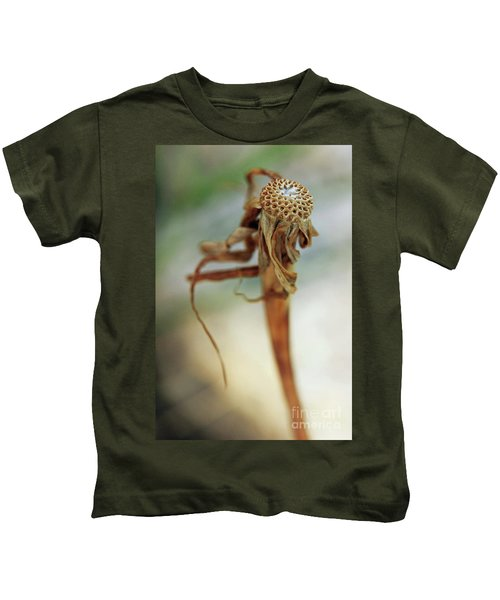 A Song That Goes Unsung Kids T-Shirt