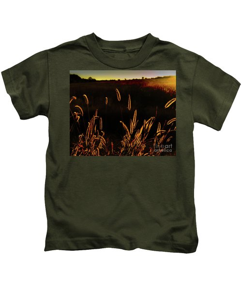 Beauty In Weeds Kids T-Shirt
