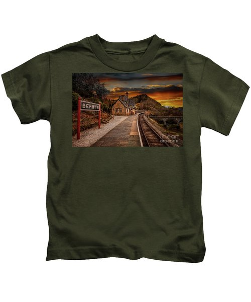Berwyn Railway Station Sunset Kids T-Shirt