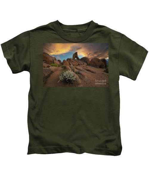 Boot Arch Hike  Kids T-Shirt