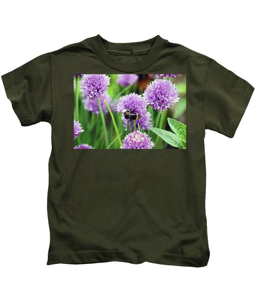 Chorley. Picnic In The Park. Bee In The Chives. Kids T-Shirt