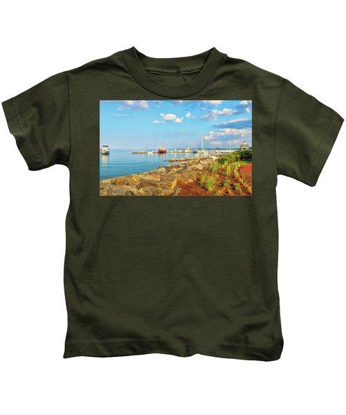 Evening At Riverwalk Landing In Yorktown Virginia Kids T-Shirt