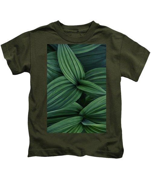 False Hellebore Plant Abstract Kids T-Shirt