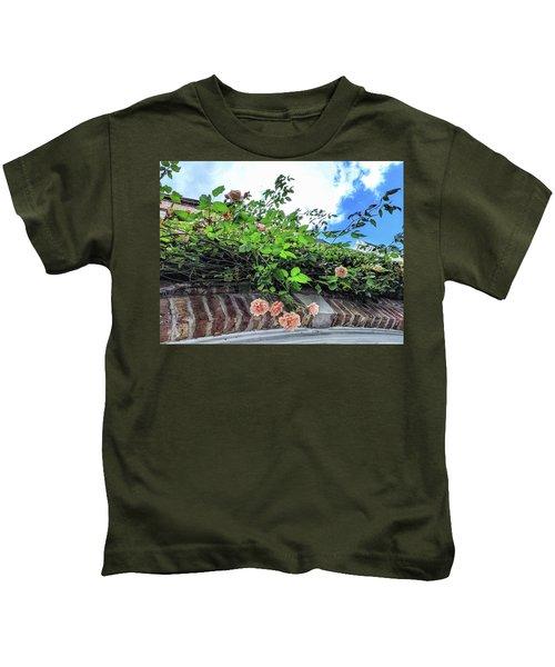 Look Up  Kids T-Shirt
