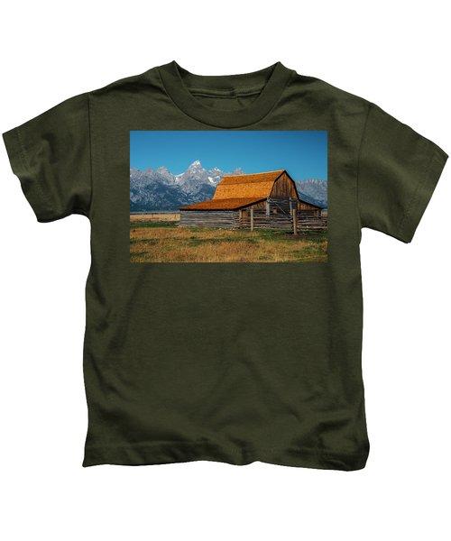Mormons Barn 3779 Kids T-Shirt