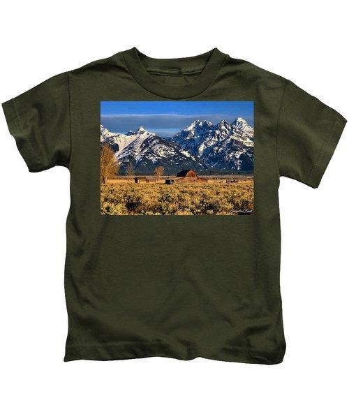 Moulton Barn Grand Tetons Kids T-Shirt