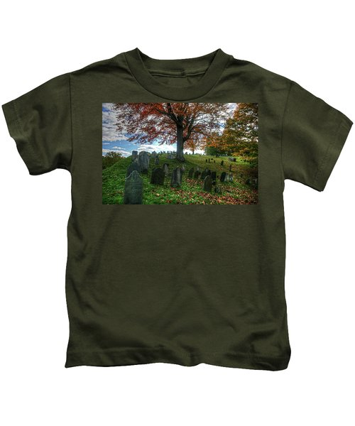 Old Hill Burying Ground In Autumn Kids T-Shirt