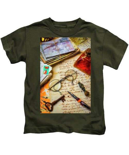 Old Letters And Glasses Kids T-Shirt