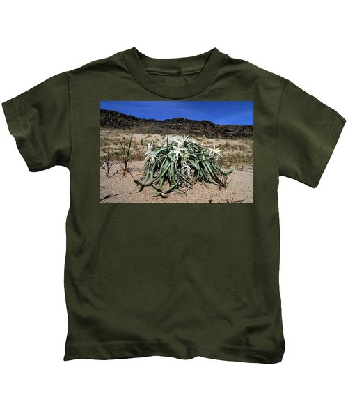 Star Lilys Its Springtime In The Rockys Kids T-Shirt