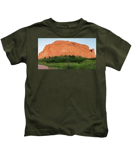 Sandstone Rock Formation Called The Kissing Camels In Colorado Kids T-Shirt