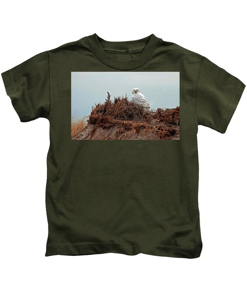 Snowy Owl In The Dunes Kids T-Shirt